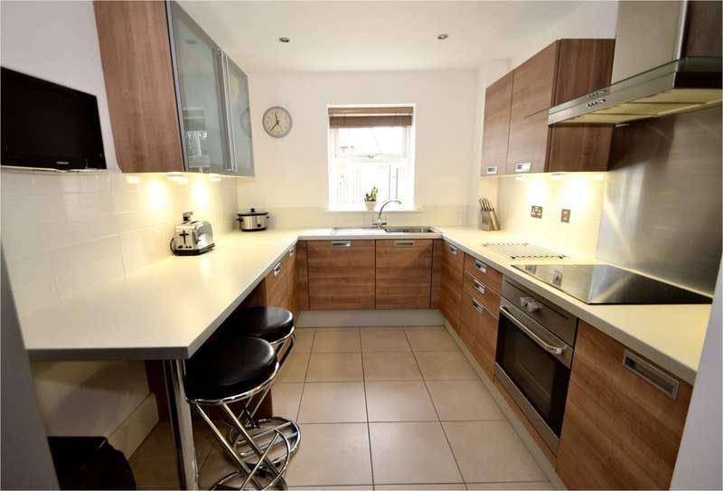 2 Bedrooms Ground Flat for sale in Woodbury Park, Torkington Road, Hazel Grove, Stockport SK7 4RL
