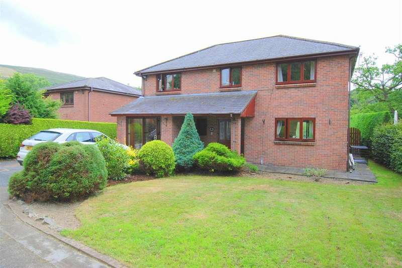 4 Bedrooms Detached House for sale in South Street, Rhayader