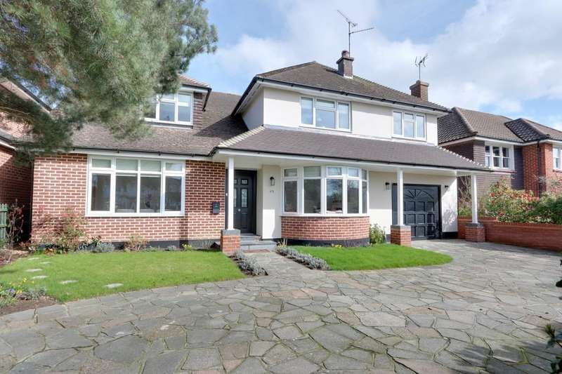 4 Bedrooms Detached House for sale in Woodlands Park, Leigh-on-Sea