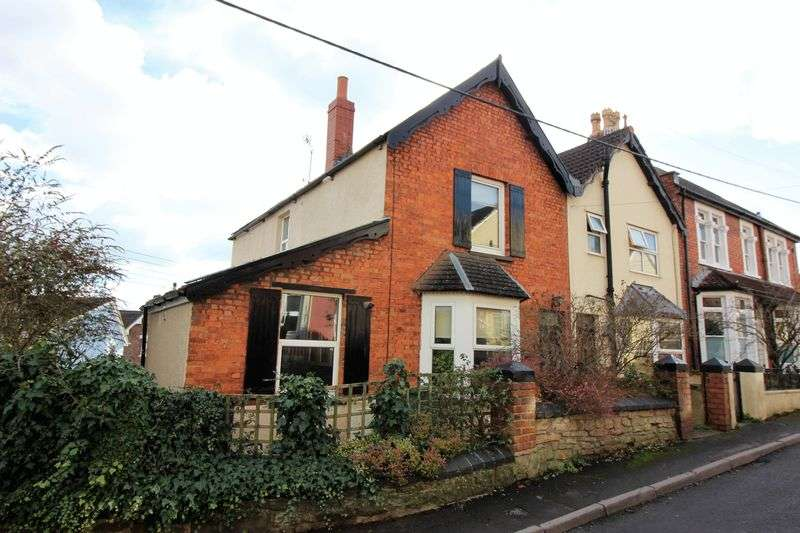 2 Bedrooms Property for sale in Heywood Terrace Pill, Bristol