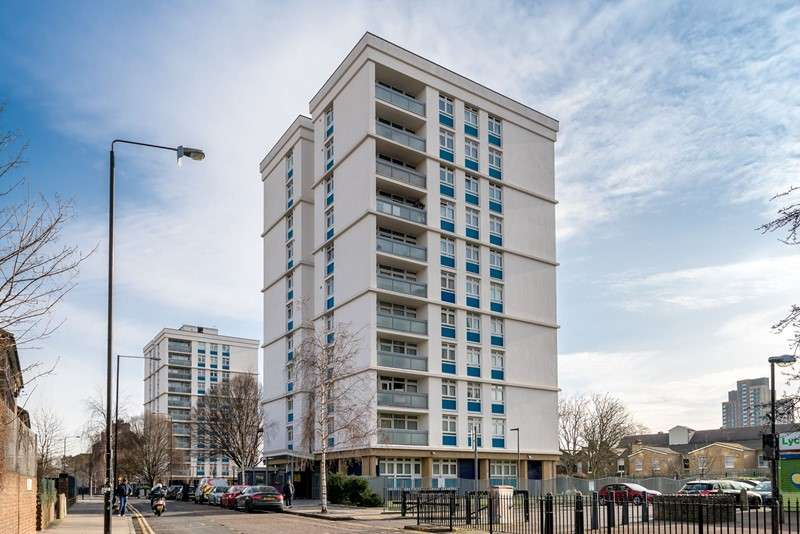 2 Bedrooms Property for sale in Dorrington Point, Bromley High Street, Bow, London, E3 3EL