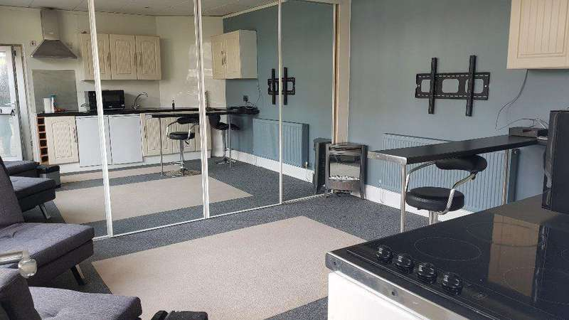 Studio Flat for rent in Kings Road Paignton TQ3