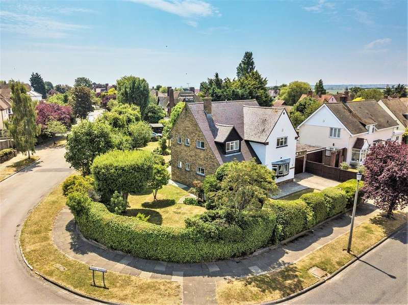 4 Bedrooms Detached House for sale in Ashlyns Road, Frinton-On-Sea