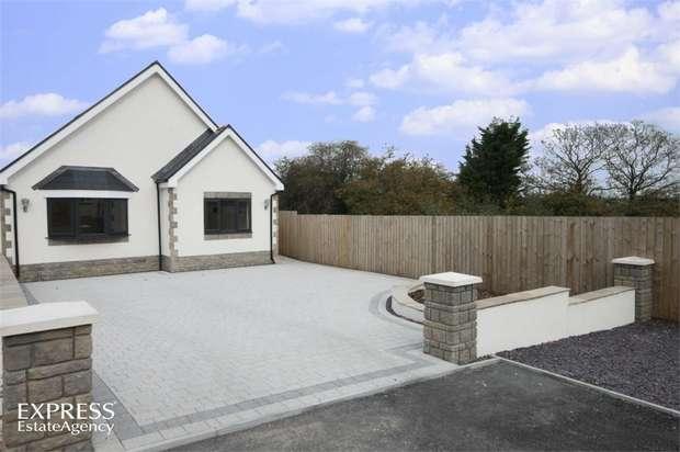 3 Bedrooms Detached Bungalow for sale in Hendre Road, Llangennech, Llanelli, Carmarthenshire