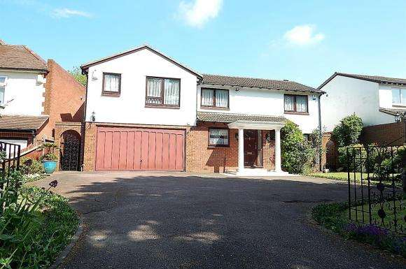 6 Bedrooms Property for sale in City Way, Rochester