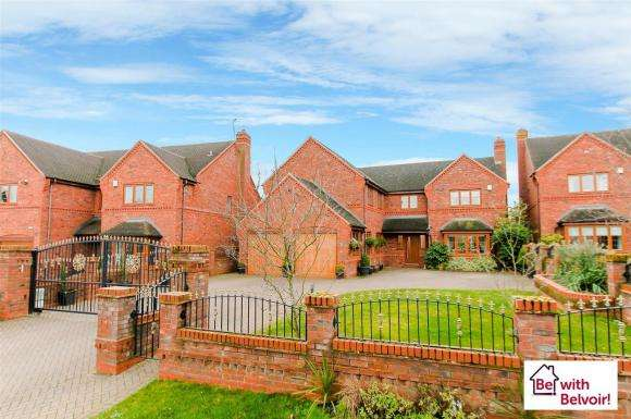 5 Bedrooms Property for sale in Jacobs Hall Lane, Landywood, Walsall
