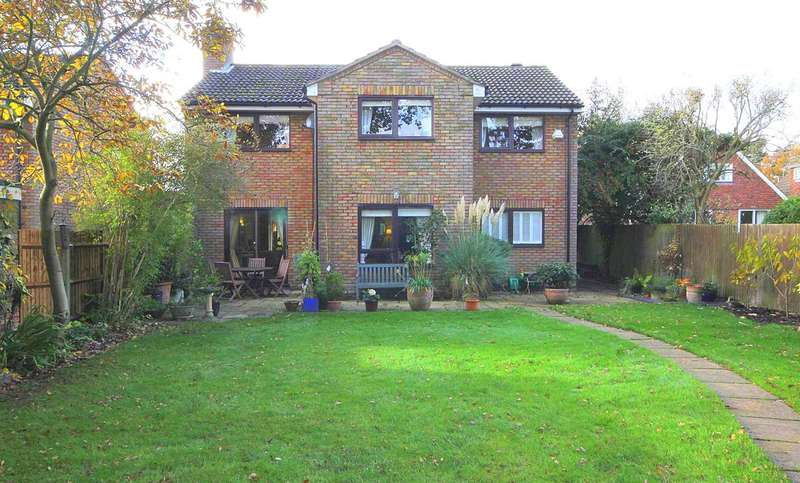 4 Bedrooms Detached House for sale in NEARLY 2000 sqft OF ACCOMMODATION