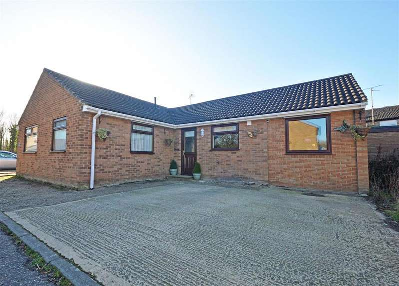 3 Bedrooms Detached Bungalow for sale in Birchwood, Orton Goldhay, Peterborough