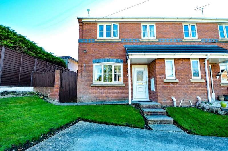 3 Bedrooms Semi Detached House for sale in The Brackens, Buckley