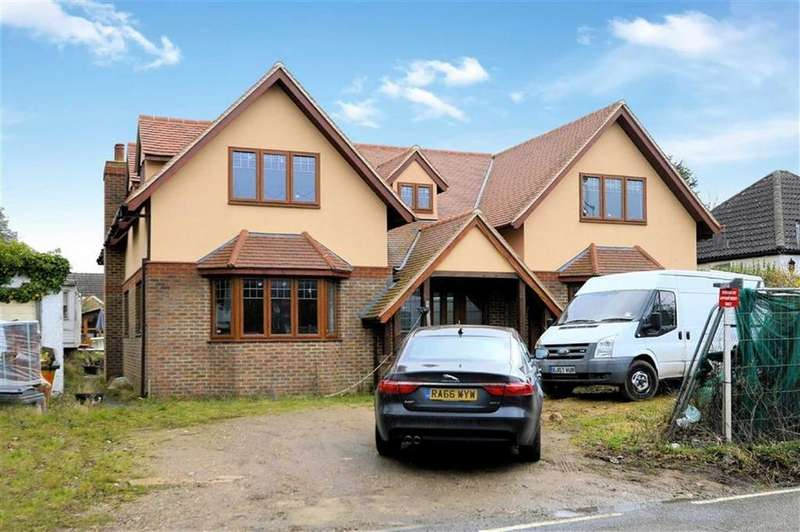 5 Bedrooms Detached House for sale in Weald Bridge Road, North Weald, Essex