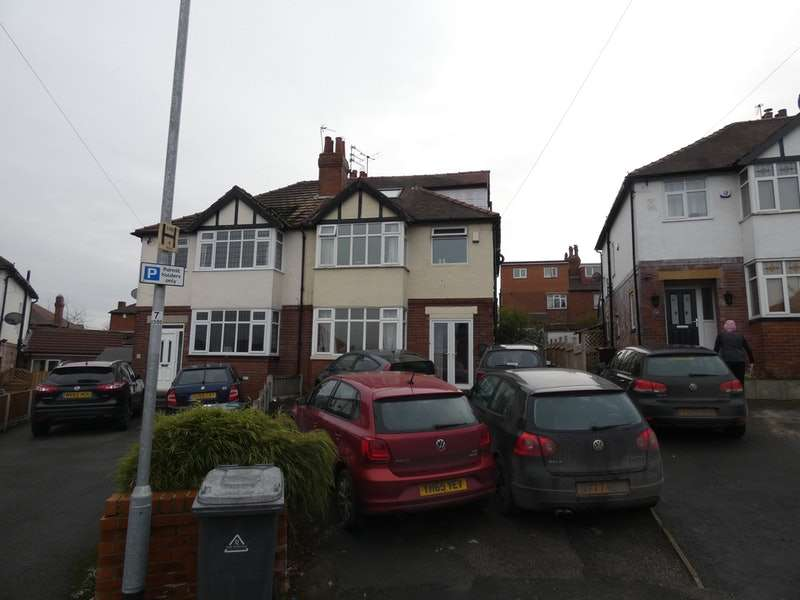 6 Bedrooms Semi Detached House for sale in St. Chads View, Leeds, West Yorkshire, LS6