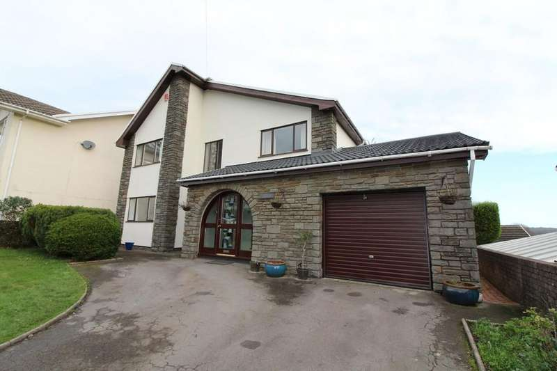 4 Bedrooms Detached House for sale in St. Tudors View, Blackwood