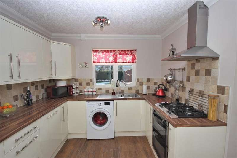 3 Bedrooms Semi Detached House for sale in Liverpool Place, Widnes, Cheshire