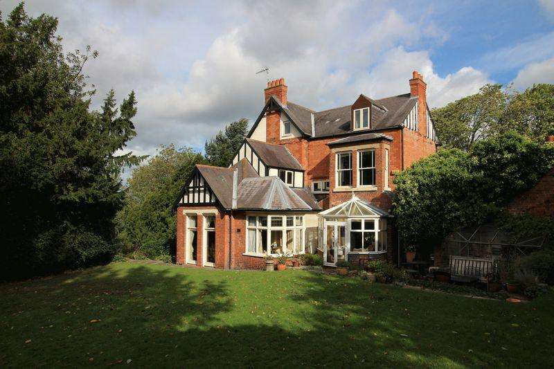 6 Bedrooms Detached House for sale in Cropwell Road, Radcliffe on Trent, Nottingham