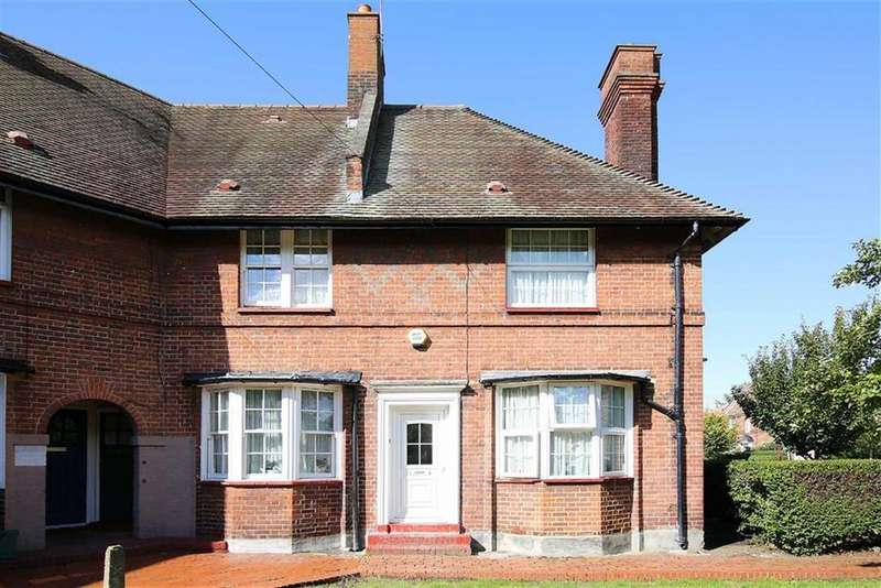 2 Bedrooms House for sale in Risley Avenue, Tottenham