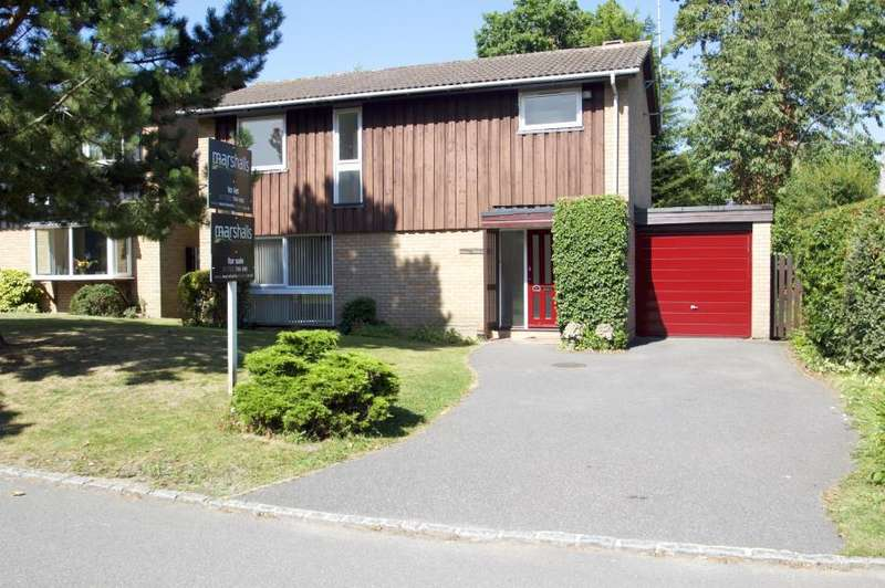 4 Bedrooms Detached House for sale in Beaufort Gardens, Ascot
