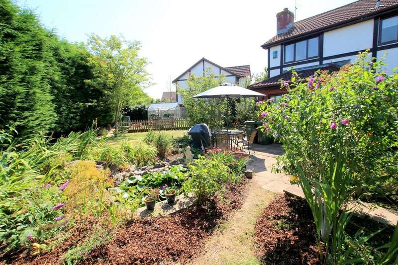 4 Bedrooms Detached House for sale in Detached four bedroom house close to local amenities