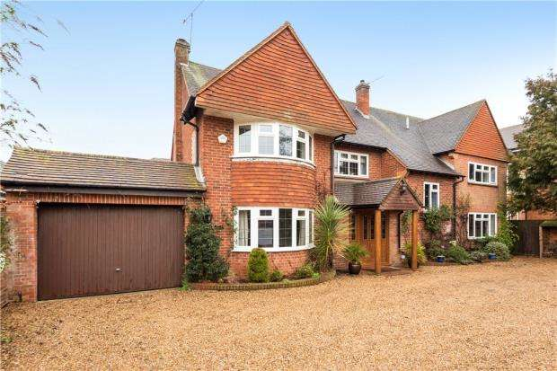 5 Bedrooms Detached House for sale in Shoppenhangers Road, Maidenhead, Berkshire