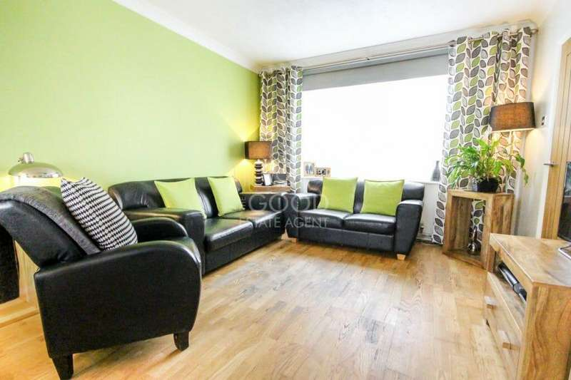 2 Bedrooms Terraced House for sale in The Broadway, IG10
