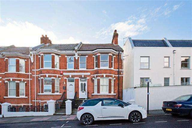 4 Bedrooms End Of Terrace House for sale in Eastern Road, Brighton