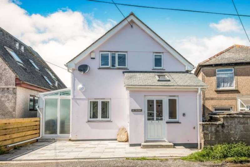 3 Bedrooms Property for sale in Chy Vounder Penbeagle Way St. Ives TR26 2JQ