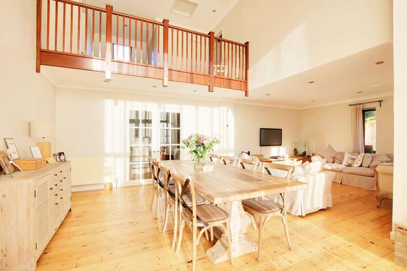 4 Bedrooms Detached House for sale in Shobley, Ringwood, BH24