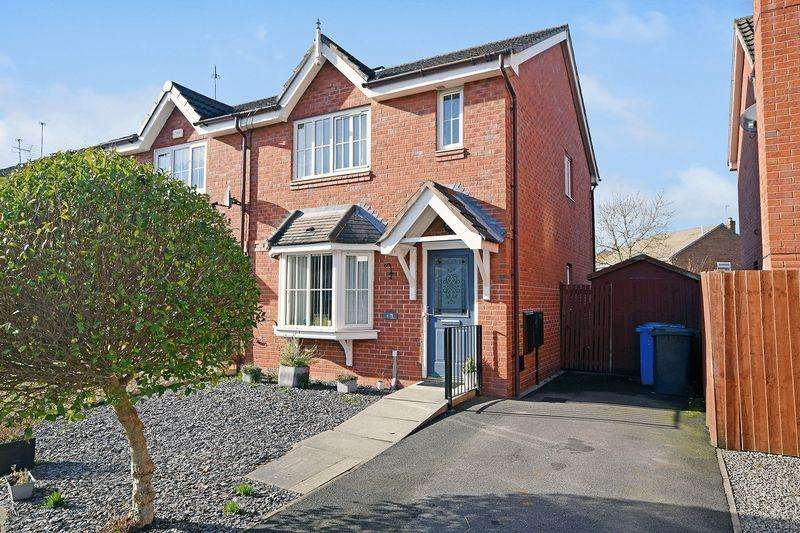 3 Bedrooms Semi Detached House for sale in Brackenwood Drive, Widnes