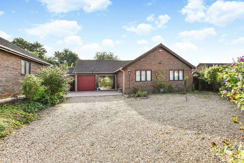 3 Bedrooms Detached Bungalow for sale in Abbotts Ann, Andover