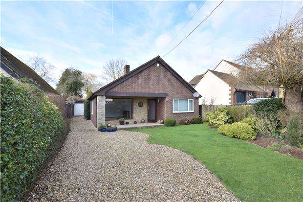 3 Bedrooms Detached Bungalow for sale in Southend, Garsington, OXFORD, OX44 9DL