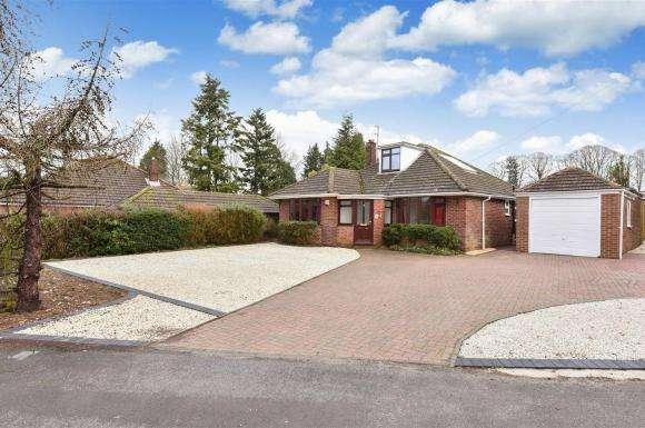 4 Bedrooms Property for sale in Homesteads Road, Basingstoke