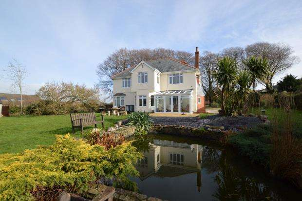 5 Bedrooms Detached House for sale in Station Road, Elburton, Plymouth, Devon