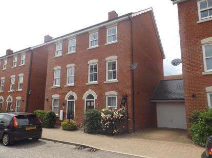 3 Bedrooms Town House for sale in Colchester, Essex