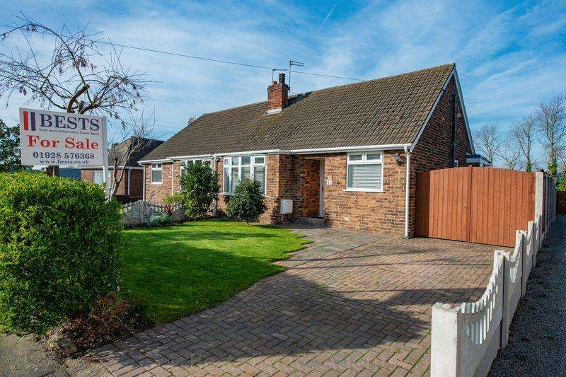 2 Bedrooms Semi Detached Bungalow for sale in Picow Farm Road, Runcorn