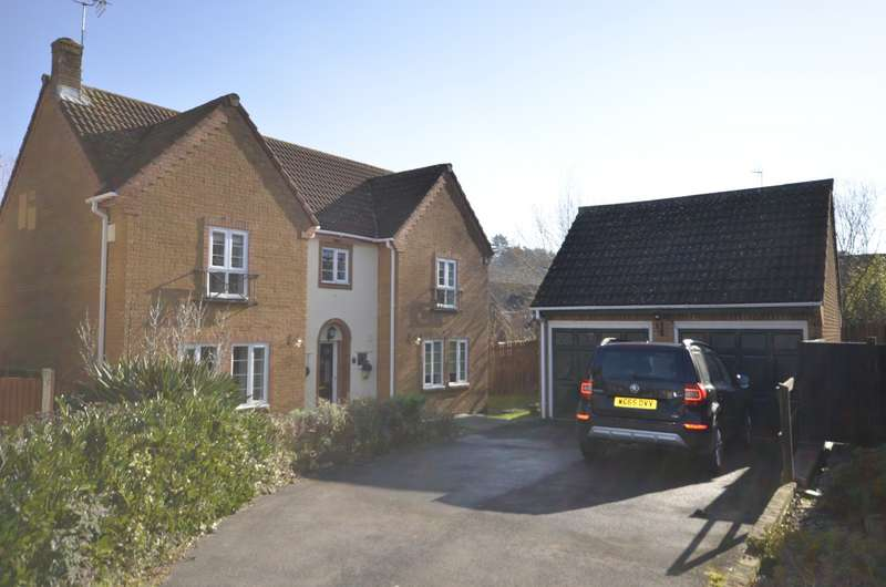4 Bedrooms Detached House for sale in Hickory Gardens, West End, Southampton, SO30