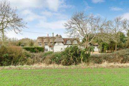 5 Bedrooms Detached House for sale in Cross End Lane, Thurleigh, Bedford, Bedfordshire