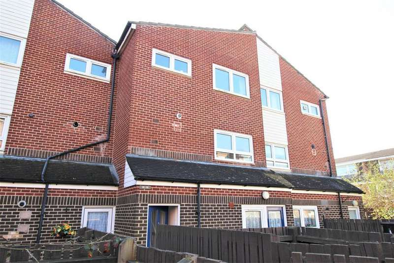 2 Bedrooms Apartment Flat for sale in Bridgeside Close, Portsmouth
