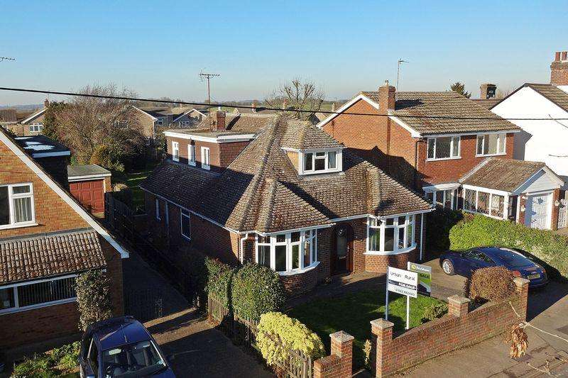 3 Bedrooms Detached House for sale in Harlington