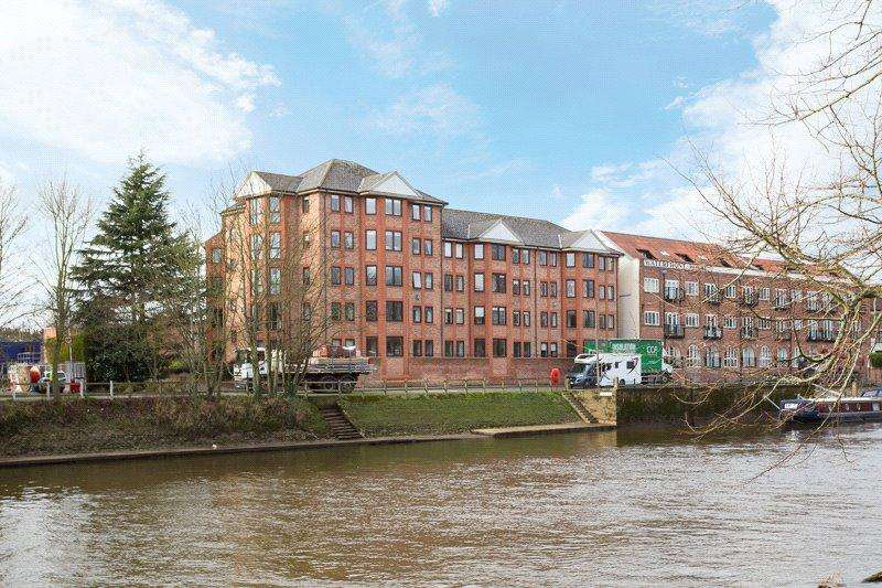 3 Bedrooms Apartment Flat for sale in Dukes Wharf, Terry Avenue, York, YO23