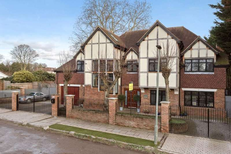 7 Bedrooms Detached House for sale in St. Georges Road Bickley BR1