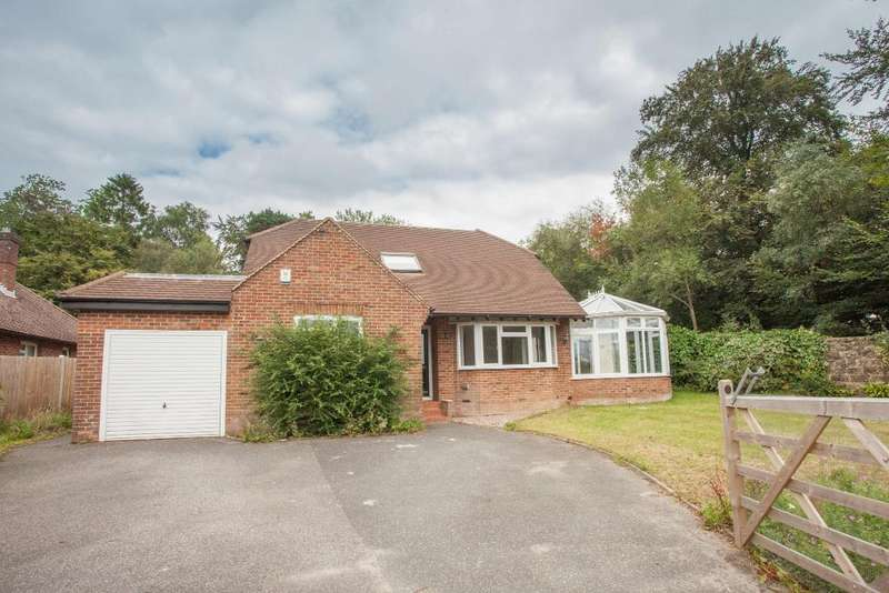 4 Bedrooms Detached House for sale in Tower Street, Heathfield, East Sussex, TN21 8EU