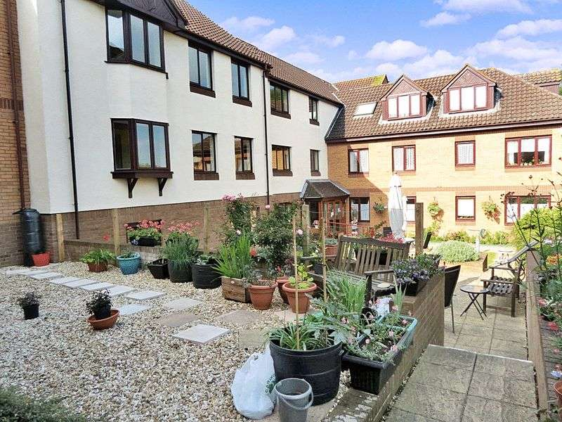 2 Bedrooms Property for sale in Tanners Court, Thornbury, BS35 2BY