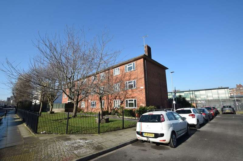 1 Bedroom Flat for sale in Railway View, Portsmouth, PO1