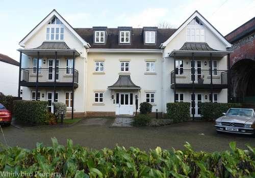 2 Bedrooms Apartment Flat for rent in River Road, Taplow, Berkshire, SL4 1PB