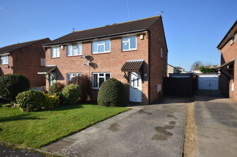 3 Bedrooms Semi Detached House for sale in Elderwood Drive, Longwell Green, BS30