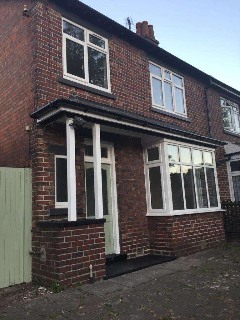 3 Bedrooms Semi Detached House for rent in Clements Road, Yardley