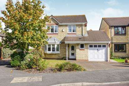 3 Bedrooms Detached House for sale in Gunning Close, Kingswood, Bristol