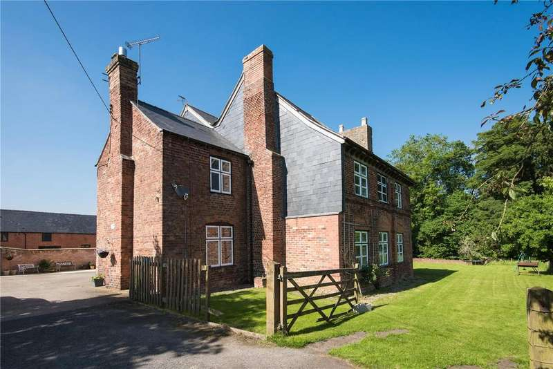 5 Bedrooms Detached House for sale in Gobowen, Oswestry, Shropshire