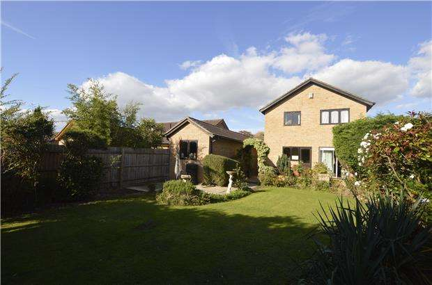 4 Bedrooms Detached House for sale in Cleevelands Drive, CHELTENHAM, Gloucestershire, GL50 4QD