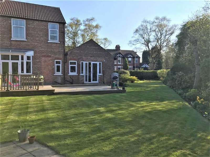 3 Bedrooms Semi Detached House for sale in Lindsay Avenue, Manchester