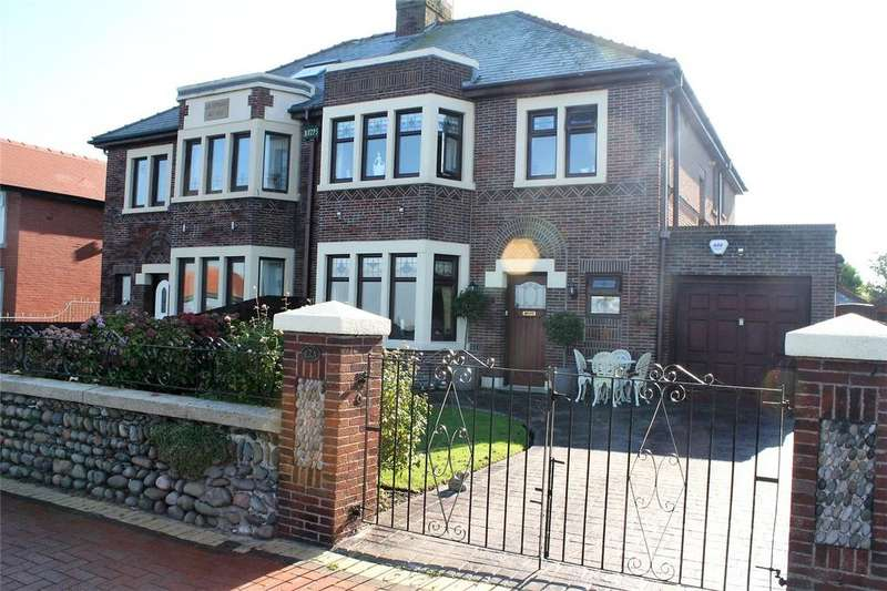 4 Bedrooms Semi Detached House for sale in Laidleys Walk, Fleetwood, FY7